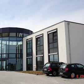 Automanufaktur mit Bürogebäude in Ilsfeld